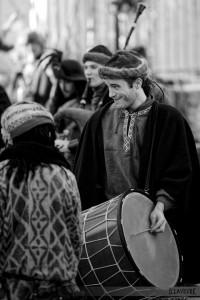 Tapan bulgare, au Marché de Noël médiéval de Semur-en-Auxois 2013 - photo par D. Lavevre
